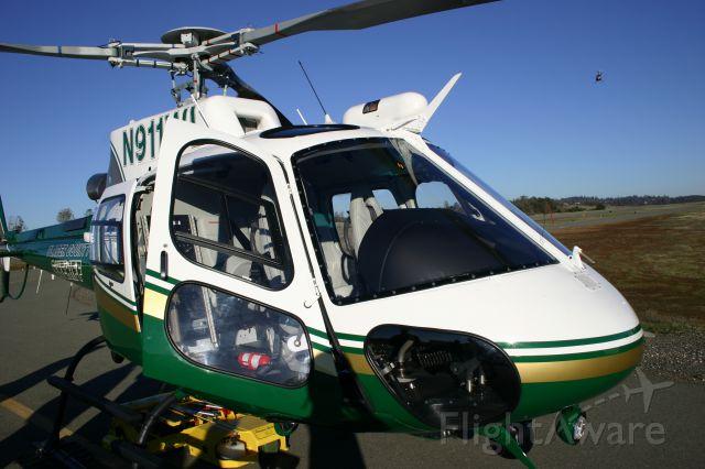 Bell 222 (N911WL)