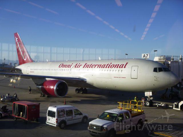 BOEING 767-200 (N225AX) - B767-200ER