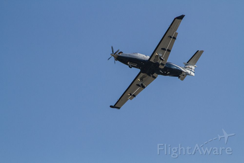 Pilatus PC-12 — - N415NG turning base for RY 12 at Long Beach, CA