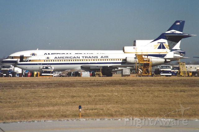 Boeing 727-100 (N266AT)