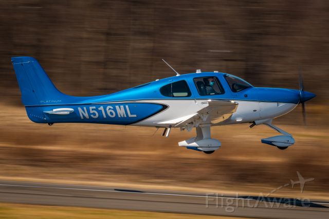 Cirrus SR-20 (N516ML) - Cirrus SR20 N516ML taking of from KLOM (Wings Field)br /1/60 sec. f/18 500mm ISO 90
