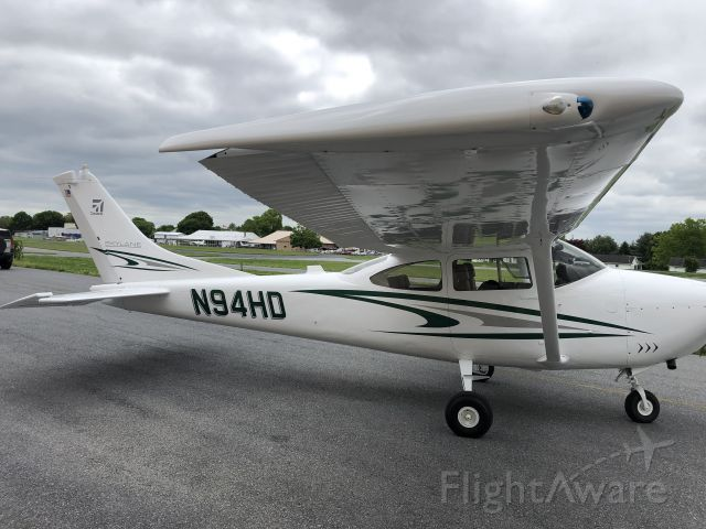 Cessna Skylane (N94HD) - Newest paint scheme