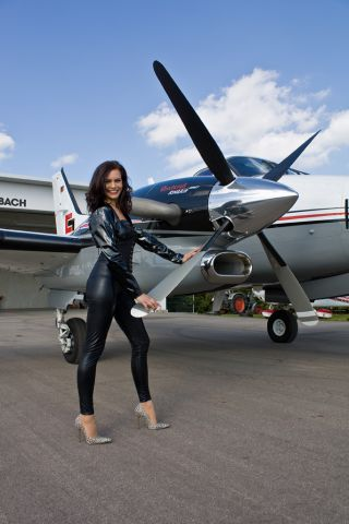 """Beechcraft King Air 90 (D-IMAG) - Photoshoot - Video available here: <a rel=""""nofollow"""" href=""""http://secure.simmarket.com/realflying-cockpit-beechcraft-king-air-c90gt-(de_5921).phtml"""">http://secure.simmarket.com/realflying-cockpit-beechcraft-king-air-c90gt-(de_5921).phtml</a>"""
