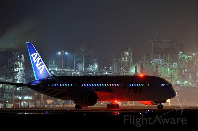 Boeing 787-8 (JA802A) - Inside of plane lighting is rainbow color LED.