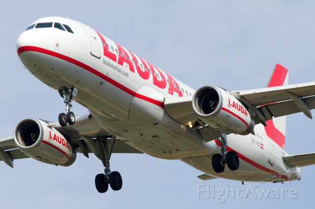Airbus A320 (OE-IHD)