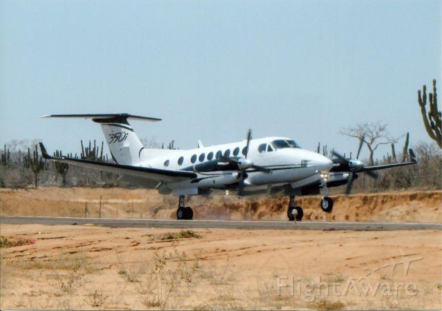 Beechcraft Super King Air 350 (N924SD) - Landing in Cabo San Lucas. MX