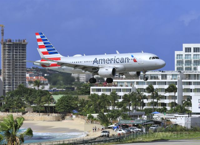 Airbus A319 (N9018E) - American Airlines baby bus crossing the finish line at St Maarten.