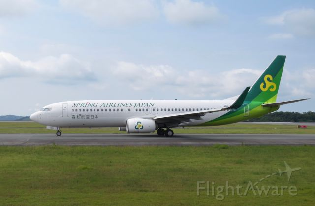 Boeing 737-800 (JA02GR) - Spring Airlines Japan taxiing to runway 28 for its scheduled flight to Tokyo Narita.