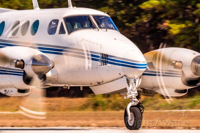 Beechcraft King Air 90 (N46AX) - Canon EOS SL1, EF 400mm f/5.6L