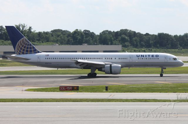 Boeing 757-200 (N567UA)