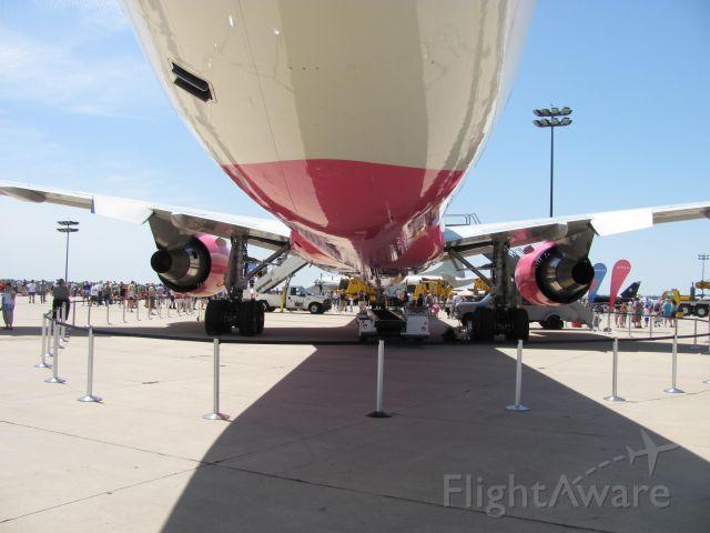 BOEING 767-400 (N845MH) - Rockford Airfest 2011.