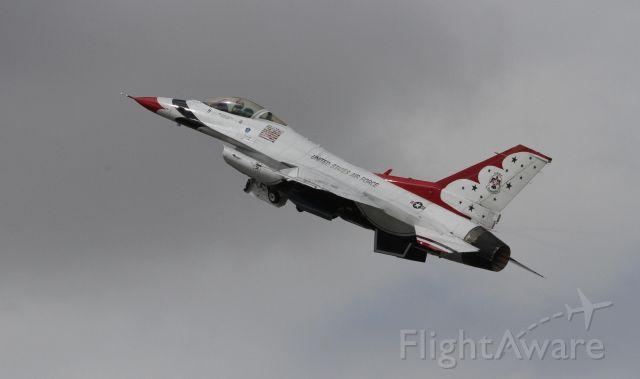 — — - USAF Thunderbirds Fairford Air Show 2017