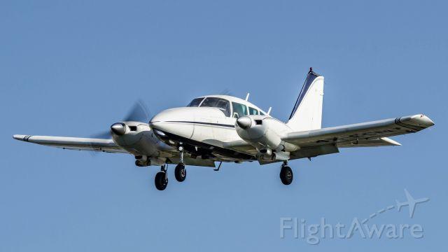 Piper Apache (4X-CCM)
