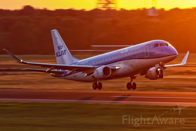 Embraer 170/175 (PH-EXH)