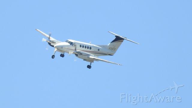Beechcraft Super King Air 200 (N318CB)