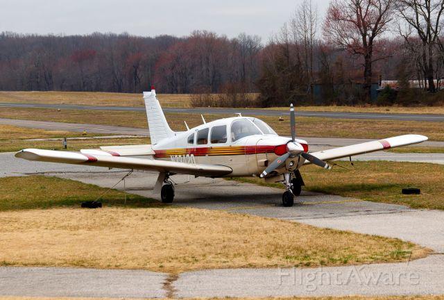 Piper Cherokee Arrow (N33420)