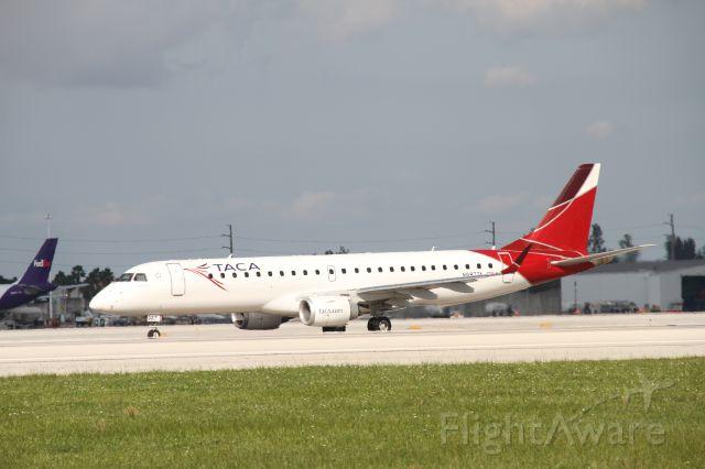 Embraer ERJ-190 (N987TA)