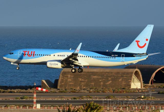 Boeing 737-800 (OO-TUV)