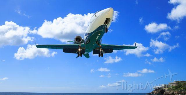 Learjet 60 (N724EF) - N724EF landing at TNCM St Maarten.