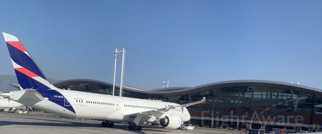 Boeing 787-9 Dreamliner (CC-BGO)