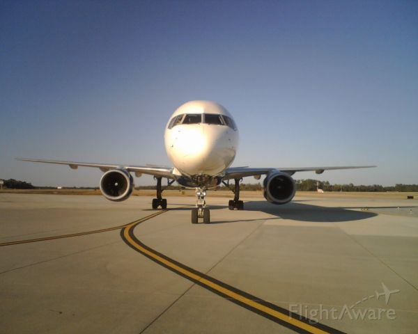 Boeing 757-200 — - Right after pushing out from the gate, on it
