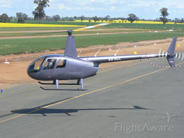 Robinson R-44 (VH-RCL)