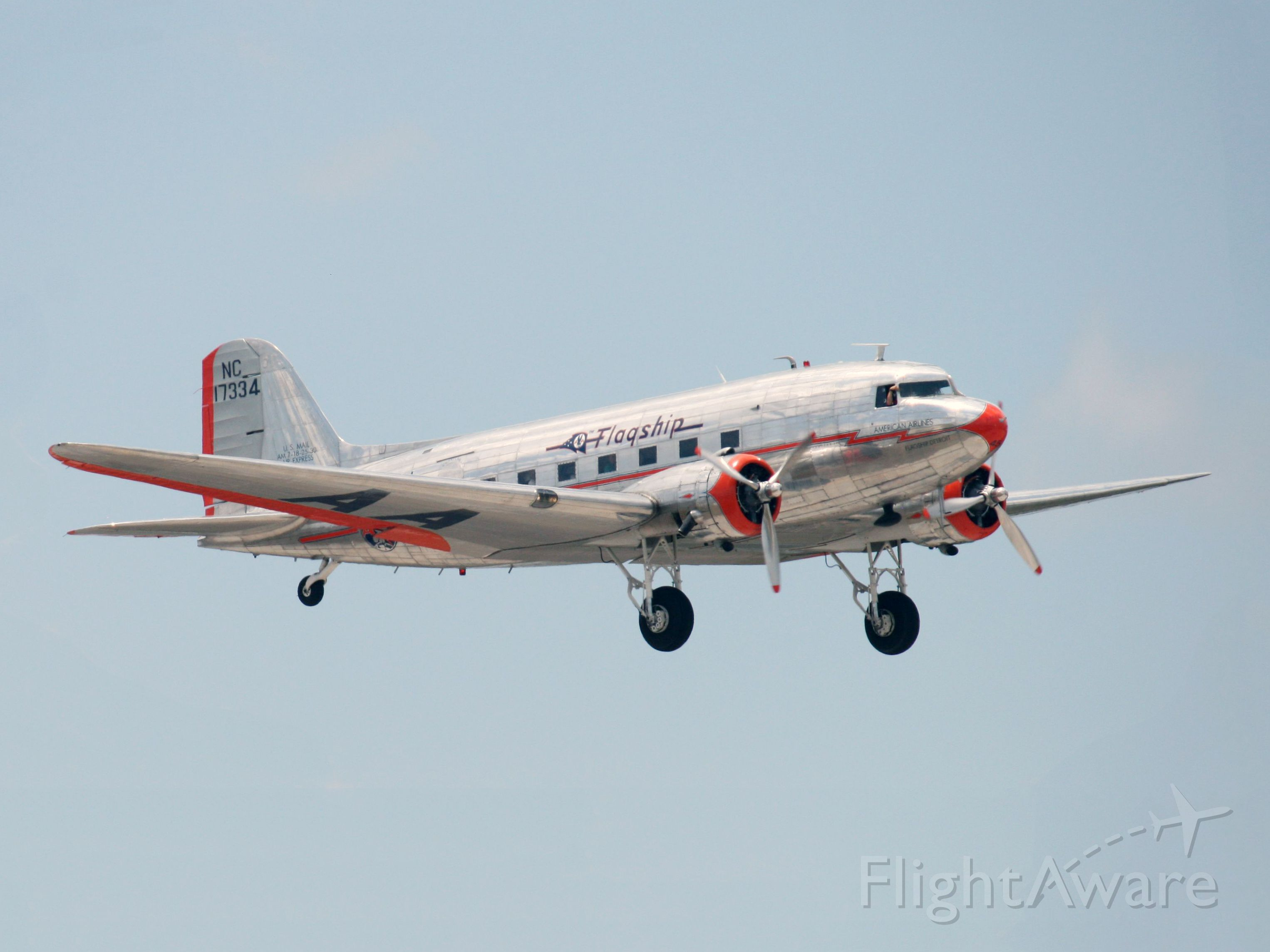 Douglas DC-3 (NAC17334) - This is the oldest operating DC3 (cn 1920). Immaculate condition. Raw photo courtesy of my friend LEARJETMIAMI - thank you and gracias!