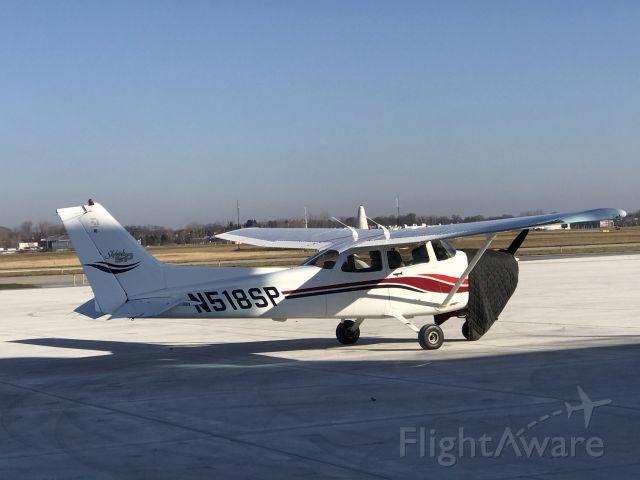 Cessna Skyhawk (N518SP) - Parked at Jackson (KJXN)