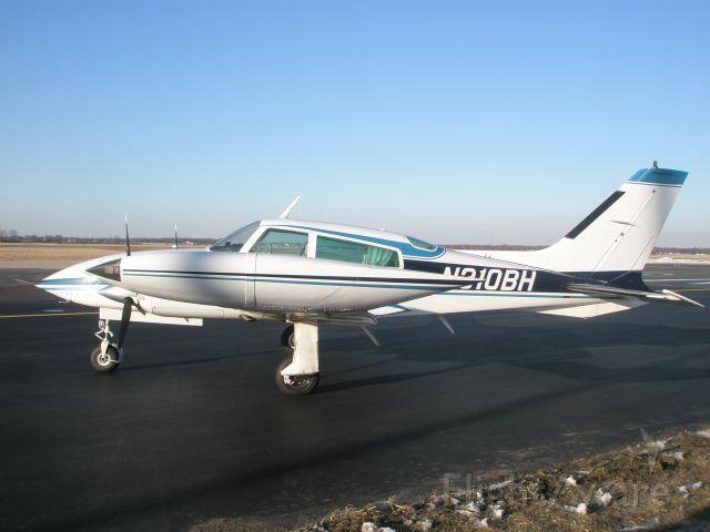 Cessna 310 (N310BH)