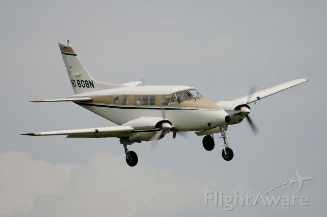 Beechcraft Queen Air (65) (N7608N)