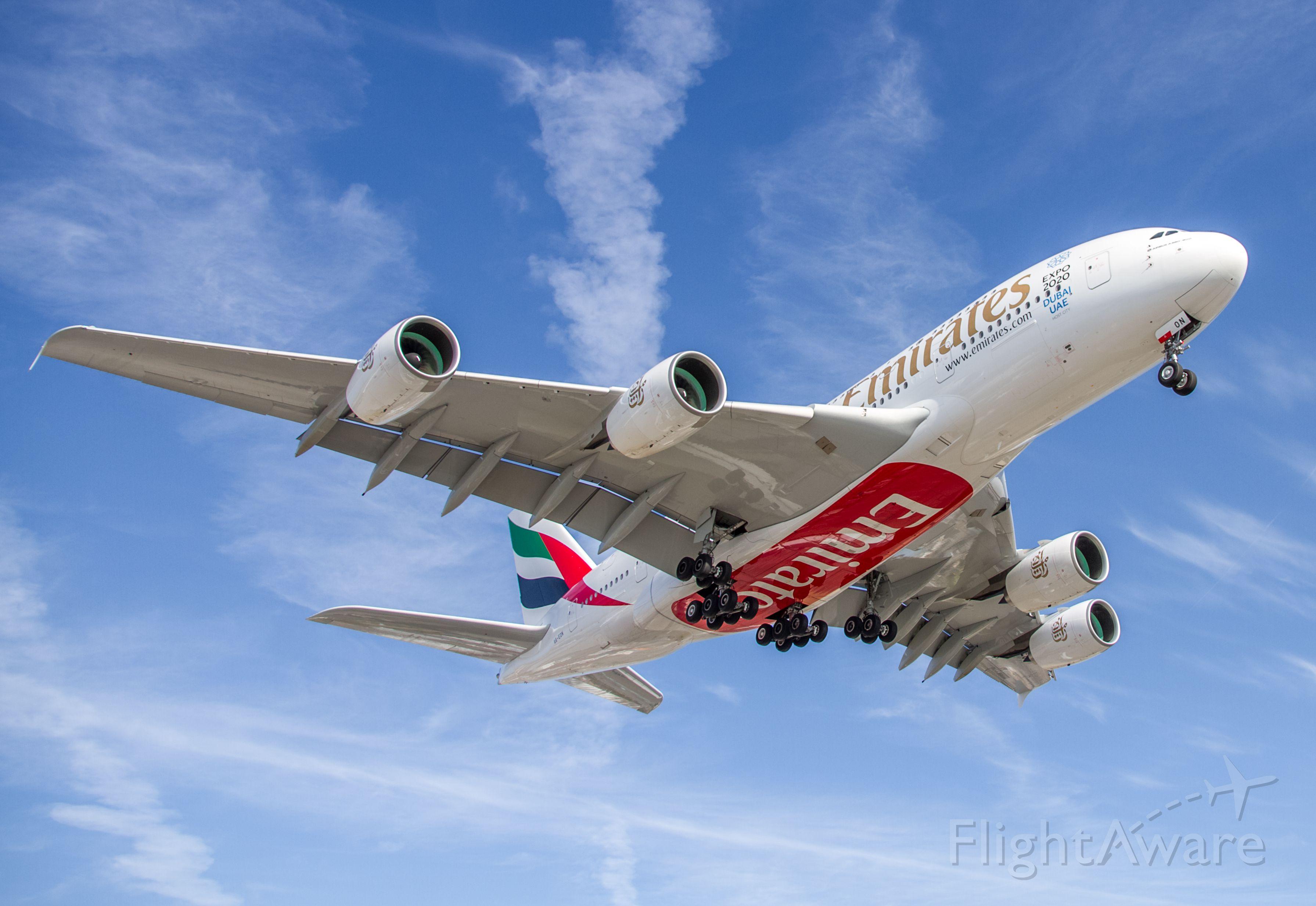 Airbus A380-800 (A6-EON)