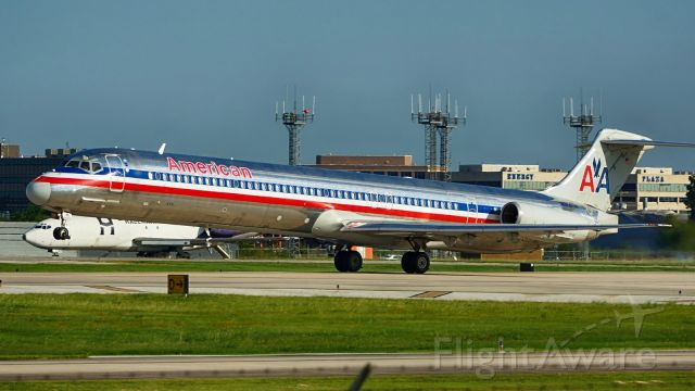 McDonnell Douglas MD-83 (N984TW) - Departing 4.