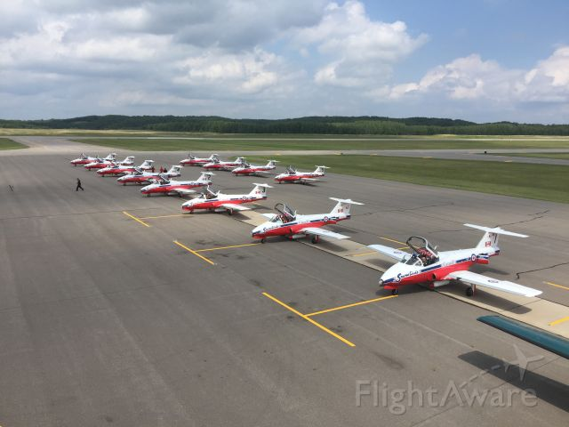 — — - Canadian Snowbirds in an KBRD for refueling