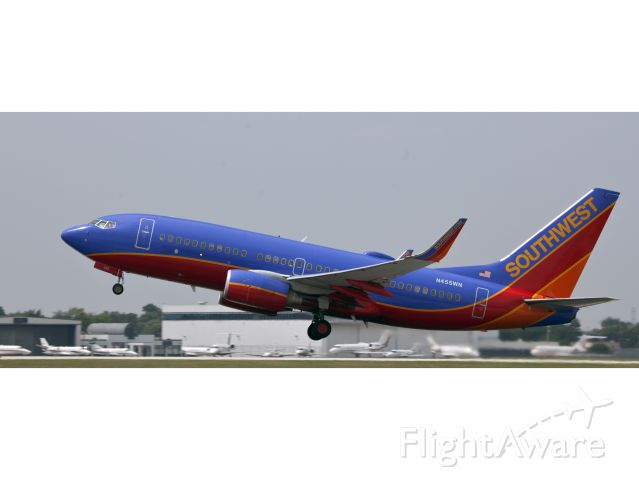 Boeing 737-700 (N455WN) - Another Southwest Boeing 737 taking off at Chicago Midway airport.