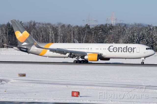 BOEING 767-300 (D-ABUA)