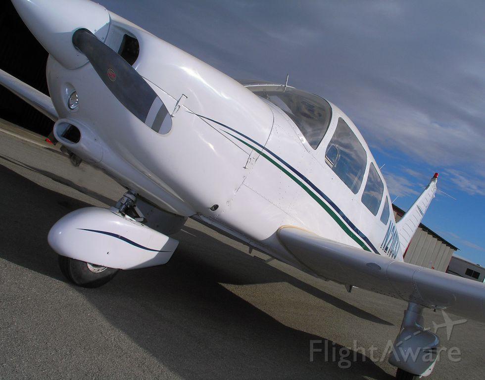 Piper Cherokee (N2103J)