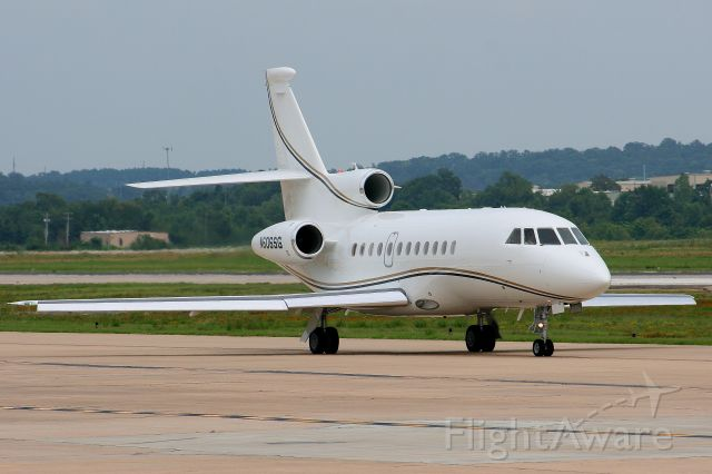 Dassault Falcon 900 (N606SG) - A nice Falcom 900EX taxis out to runway 7.