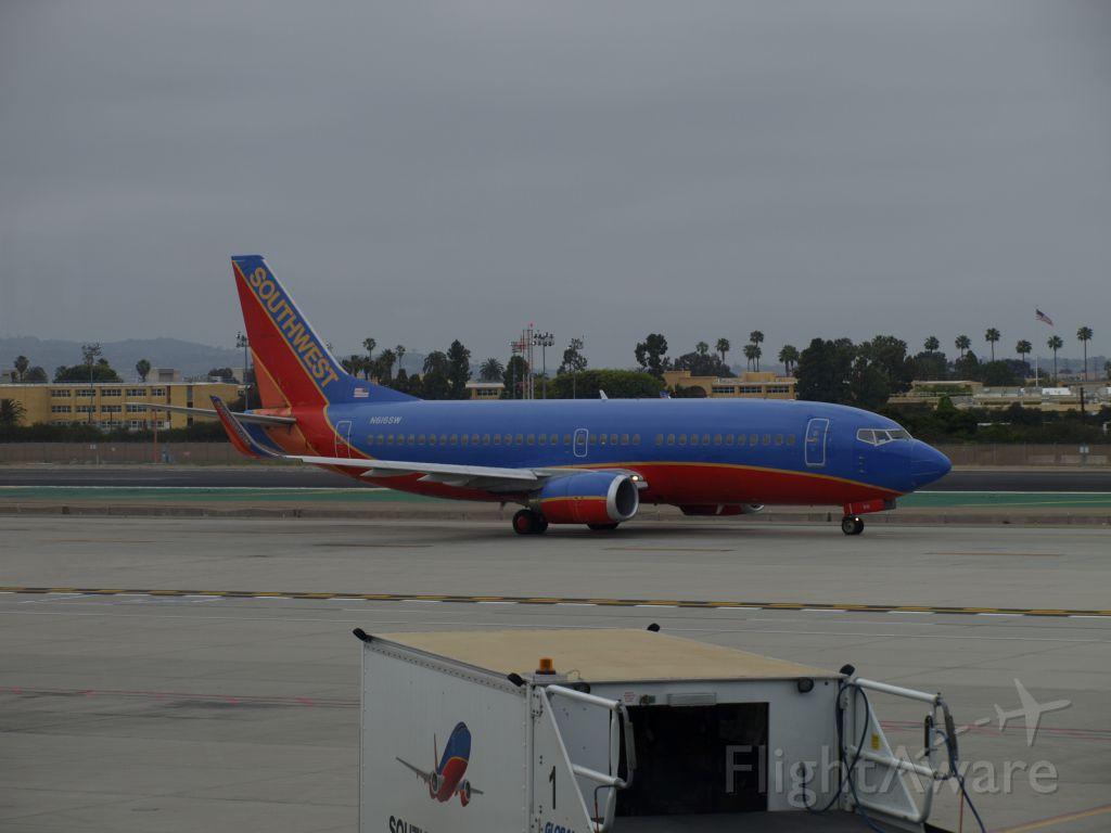 BOEING 737-300 (N616SW)