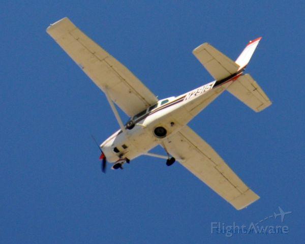 Cessna Skylane (N29151) - Flying over Crystalaire Country Club Golf Course near Littlerock, CA.