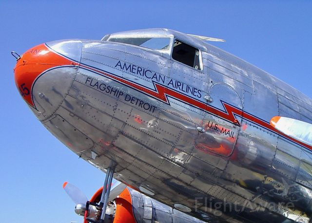 Douglas DC-3 (NC17334) - Paying homage to an icon at Sun
