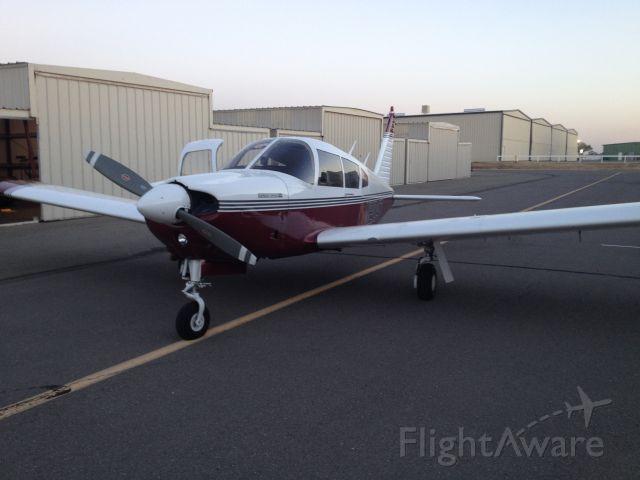 Piper Cherokee (N2104T)