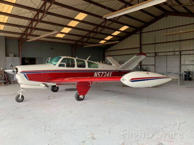 Beechcraft 35 Bonanza (N5724V)