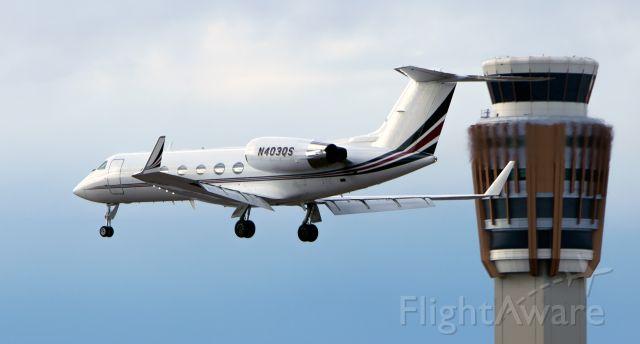 Gulfstream Aerospace Gulfstream IV (N403QS) - N403QS on its way to KRNO