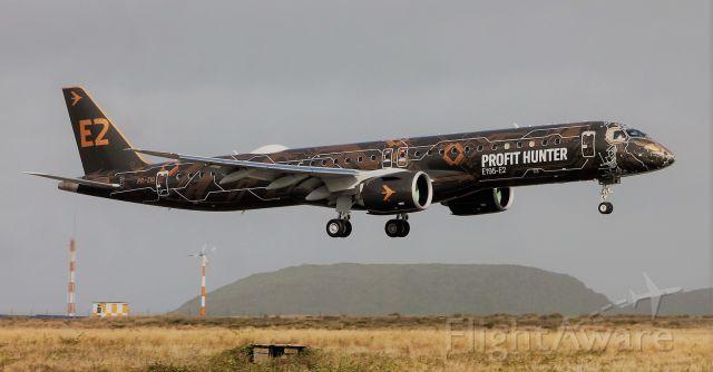 EMBRAER 195 (PR-ZIQ) - 28/02/2020 Aeroporto de Santa Maria - LPAZ - Açores