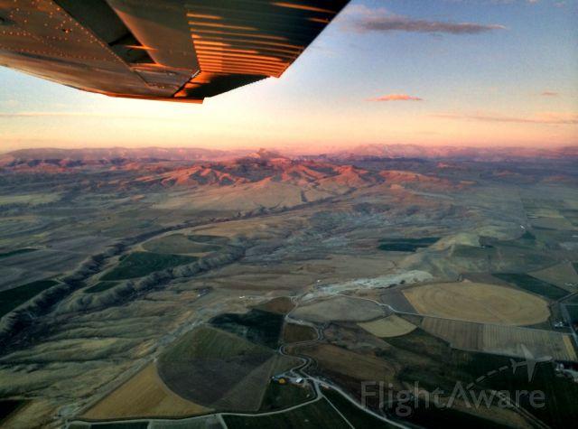 Cessna Skyhawk (N27TP)