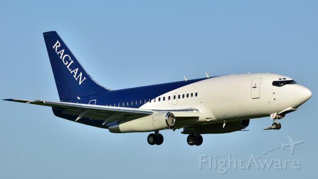 Boeing 737-200 (C-GXNR)