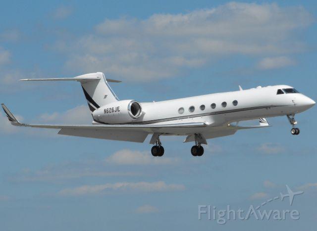 Gulfstream Aerospace Gulfstream V (N626JE) - Landing Runway 18