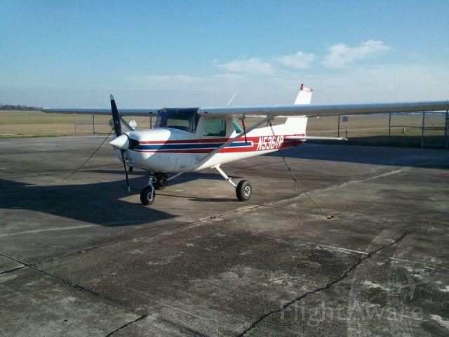 Cessna Skyhawk (N5364P) - Sitting on the ramp at KARA!!