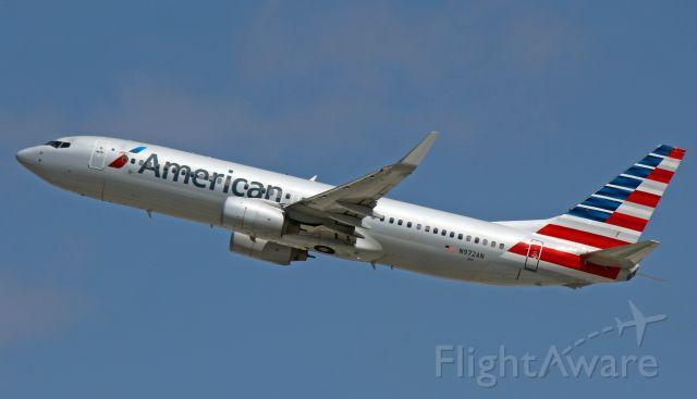 Boeing 737-800 (N972AN)