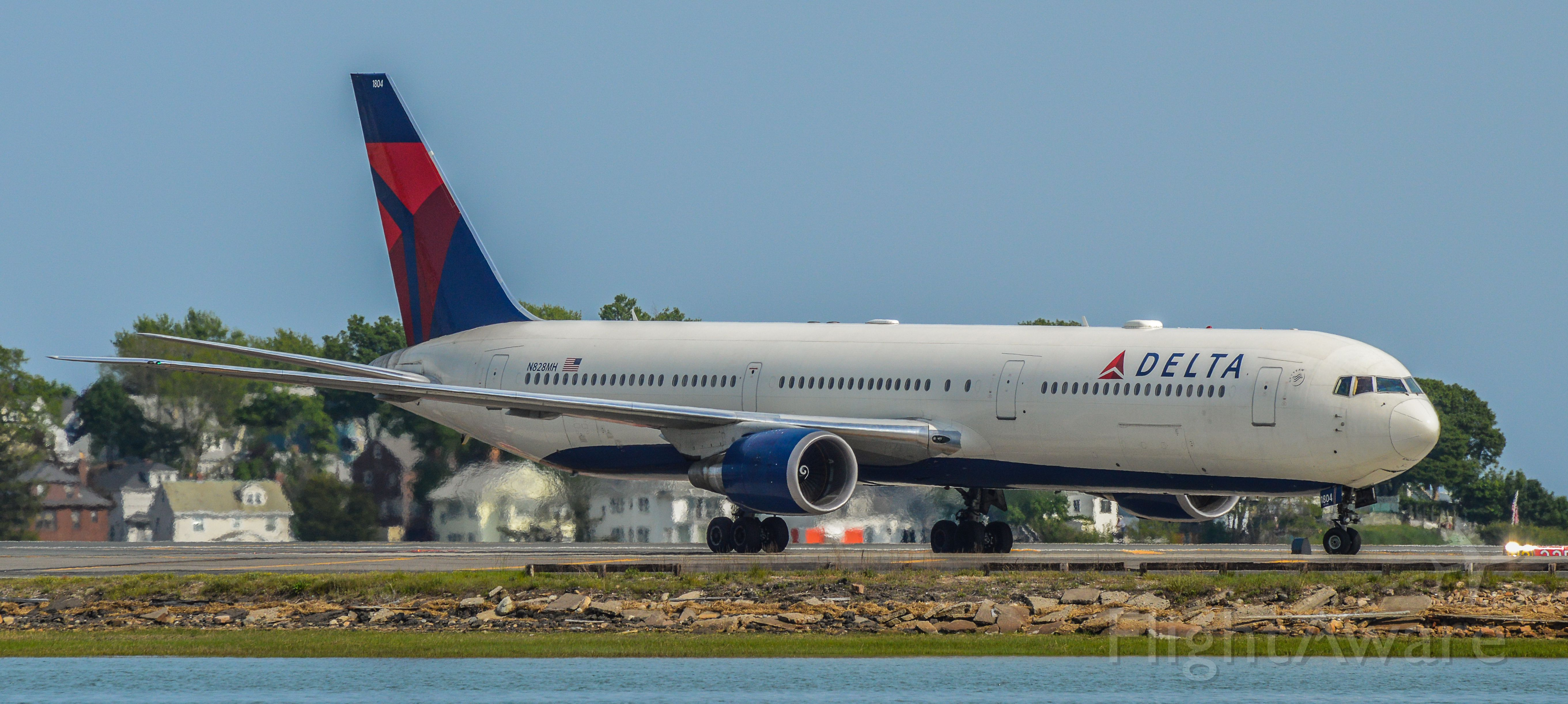 BOEING 767-400 (N828MH) - Shot with a Nikon D3200 w/ Nikkor 70-300mmbr /Best viewed in Full Size